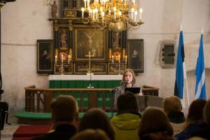 Pirjo Roots tutvustab kirikupäevade kava